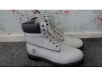 Timberland WHITE LEATHER Boots - size UK 11 - RRP : £159