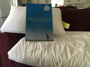 Pure wool comforter and pillow
