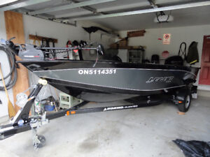 16' Legend XGS Fishing Boat