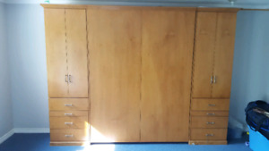Queen size Murphy wall bed