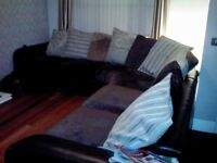 Corner Sofa - 5/6 Seater, Brown Leather & Fabric