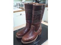 Mens cowboy boots size 7