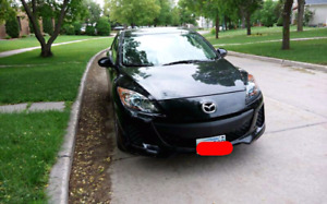sell mazda3 ,2013 May,only 32000km,one tax,new safetied
