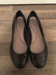 Women's shoes - size 7 (brand new)