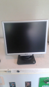 """Acer computer monitor  17"""""""