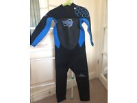 Kids CIC full length age 8 wetsuit. £10