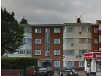 DSS WELCOME - 2 double bedroom flat to rent in East Vale, Acton, W3 7RU