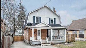 3 bedroom house Orillia $1800/ month Nov 1