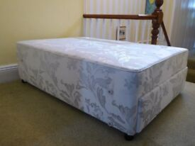 Double Bed (BASE ONLY) 4ft 6in. With 4 drawers.