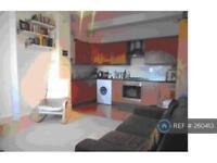 1 bedroom flat in Knighton Park Road, London, SE26 (1 bed)