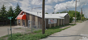 Great Commercial/Office/Warehouse Location