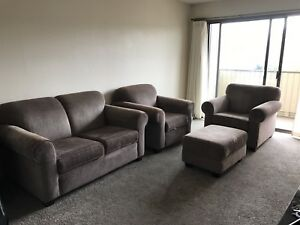 1 LoveSeat, 2 Chairs and 1 Ottoman