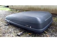 Halfords lockable car roof box - a must for those summer holiday trips