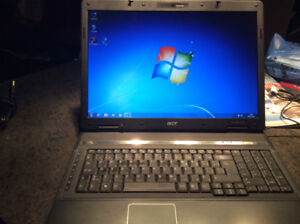 Portable acer 17 pouces processeur intel, windows xp