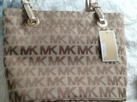 Genuine Brand new with tags Michael Kors Jet Set Tote £120 with tags