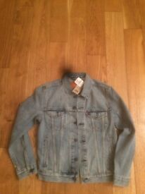 Brand new edition Levi washed jacket size s