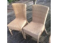 2 wicker chairs in very good condition
