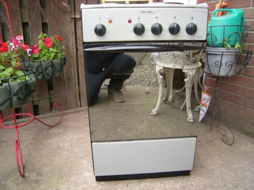 electric cookerin NewportGumtree - black and silver tricity Bendix electric cooker 500 cm all in good working order and clean can deliver local for fuel cost