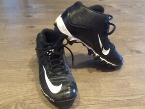 Chaussure de football NIKE junior