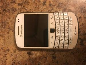 Blackberry bold 99