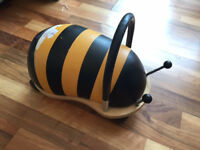BEE WHEELIE BUG RIDE ON TOY *SMALL SIZE*