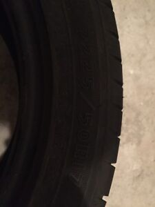 GOOD YEAR tire , pneu p225/50r17