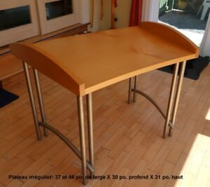 Tables robustes en bois