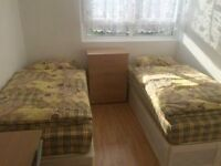 >>>NICE TWIN ROOM AVAILABEL OVAL<<<