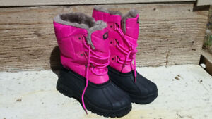 Girls Size 2 Winter Boots (Pink)