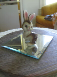 ADORABLE LITTLE CHINA BUNNY RABBIT FIGURINE