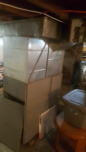 Lincoln forced air furnace, Riello burner & all ducts & plenums
