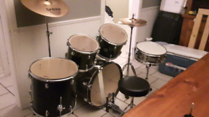 Complete drum set in mint condition!