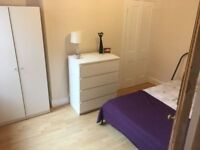 Double room in Heart of Town