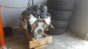 4.8 V8 engine out of a 2007 Gmc sierra 1500