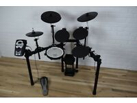 Roland TD-11K drum kit - as new - stool included