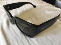 Sunglasses (BALENCIAGA)