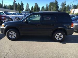 2005 Ford Escape XLS with Bluetooth and A/C