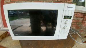 Panasonic genius  inverter microwave