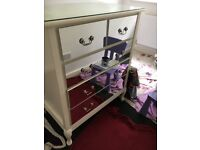 CHest of Drawers - mirrored drawers