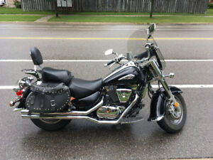 Suzuki Intruder 1500 LOUD Vance Pipes