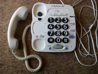 BT BIG BUTTON 100 TELEPHONE (Hearing & Dexterity Aid Ideal For Elderly Person)
