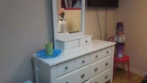 Bureau table de nuit avec miroir et buffet couleur cerisier