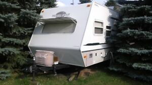 Fully Loaded Light Weight Immaculate Travel Trailer *Sweet*