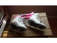 ice skates size 3..good condition
