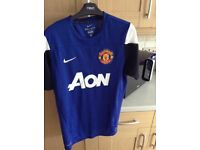 Manchester United top size medium
