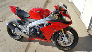 2014 Aprilia RSV4 aPRC Very Low Mileage
