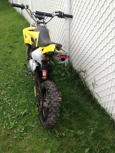 Motocross 125cc 4 vitesses 4 temps