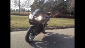 PRICED TO SELL LOW KM KAWASAKI ZZR600