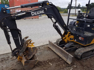 2015 John Deere 17G mini excavator for sale - 1000 hours