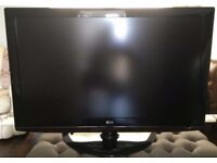 """42"""" LG 42LG5010 FULL HD 1080p LCD TV with freeview 3x HDMI in good condition Can deliver"""